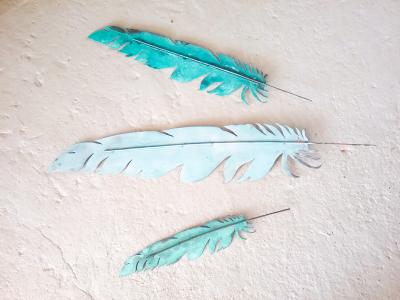 Feather - Medium