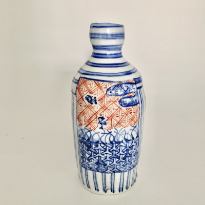 Sake bottle-flower vase