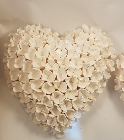 Medium hydrangea heart white