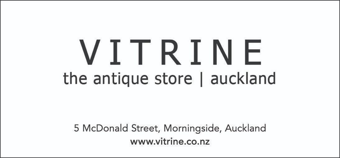 Bronze Vitrine
